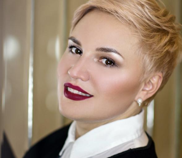 Марина Непомнящая,  топ-стилист EN TEXT