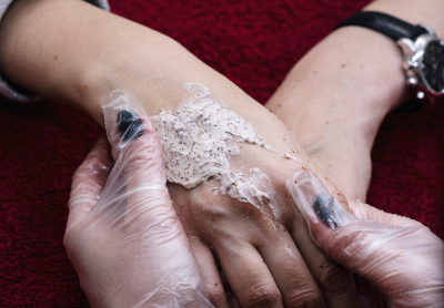 Особенности услуги массажа рук