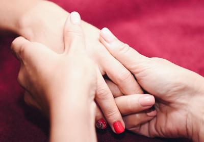 Массаж рук: зачем нужна процедура, чем может помочь?