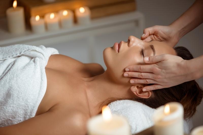 Thai head and face massage
