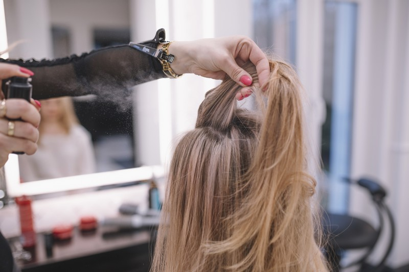 Услуга женской укладки волос